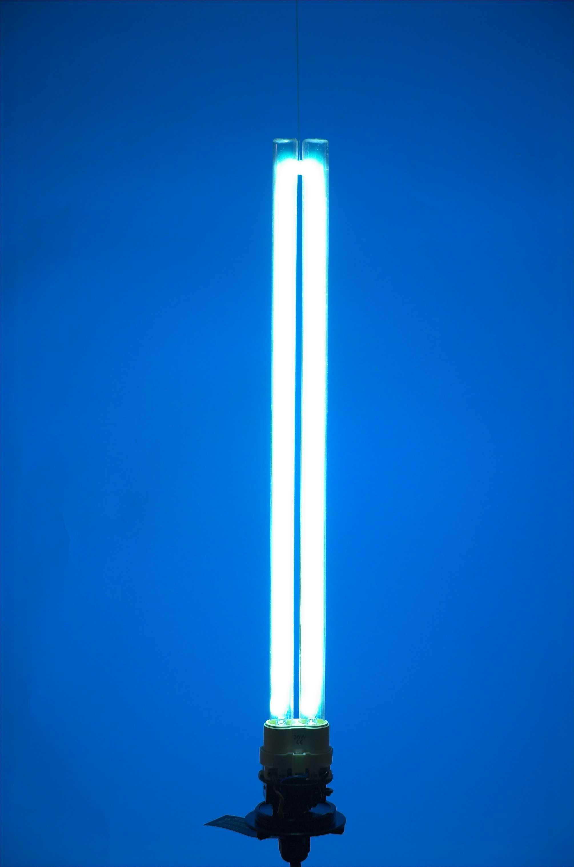 Uv Lampen  UV Lampe für sauberes Teichwasser