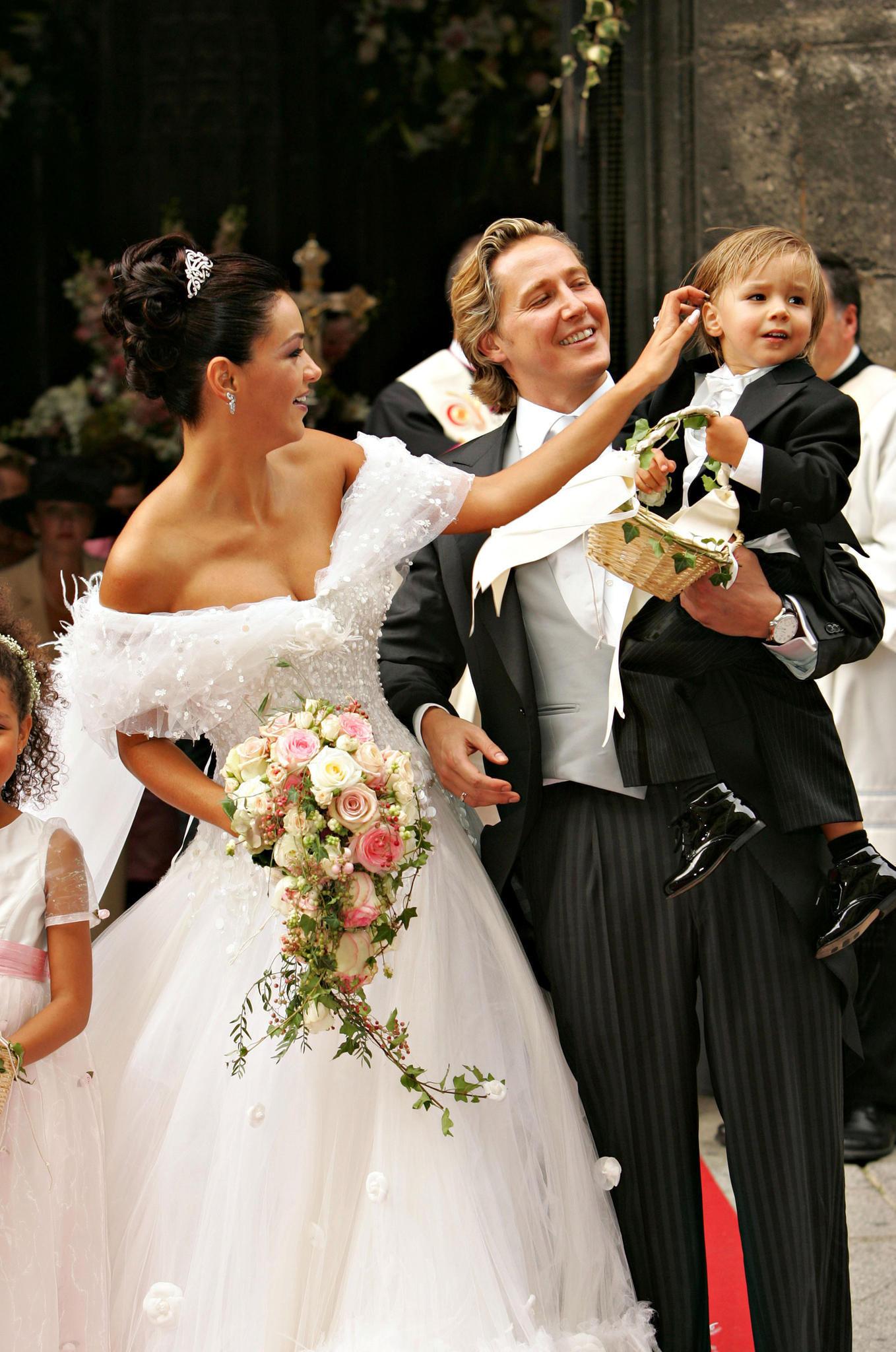 Verona Pooth Hochzeitskleid  Verona Pooth ihr extravaganter Ehering