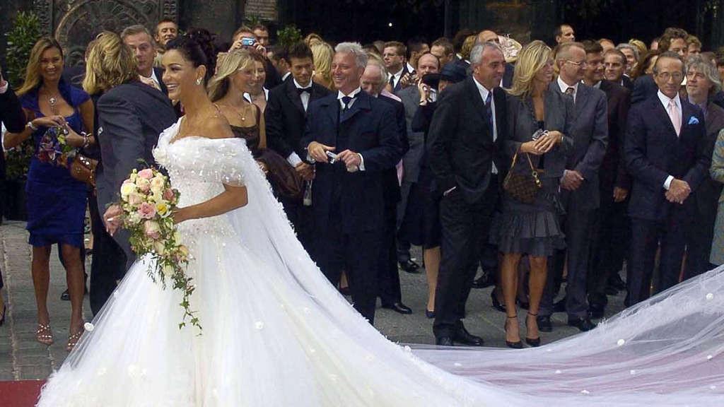 Verona Pooth Hochzeitskleid  Verona Pooth Peinlicher Spruch über Karl Lagerfeld in