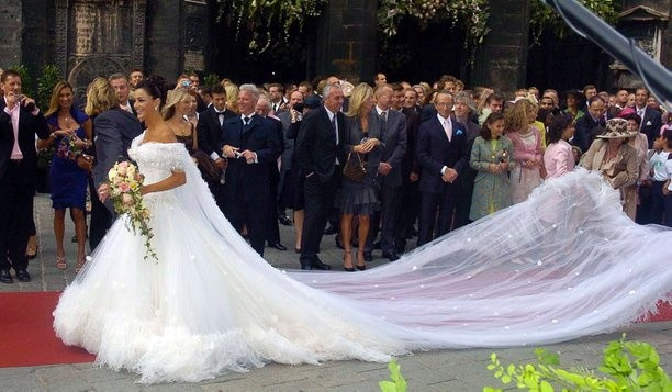 Verona Pooth Hochzeitskleid  Verona Pooth ☆ Celebrity Weddings ☆ Pinterest
