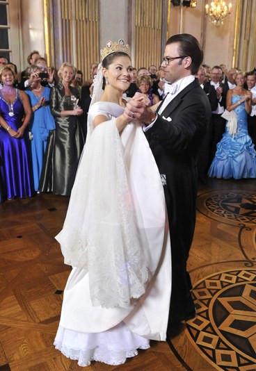 Victoria Von Schweden Hochzeit  Kronprinzessin Victoria von Schweden Brautkleider der