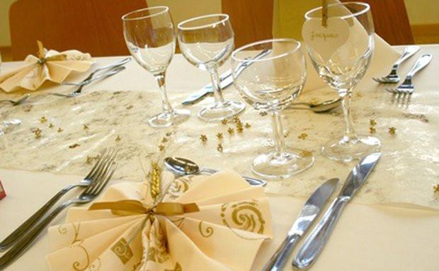 Vortrag Für Goldene Hochzeit  Tischdekoration für eine Goldene Hochzeit