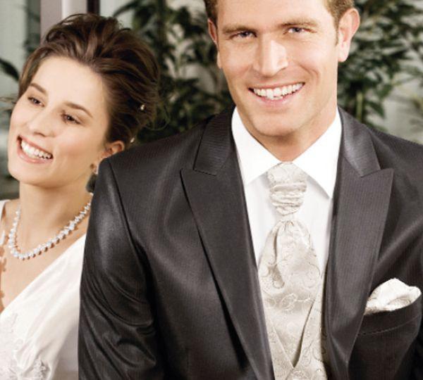 Was Trägt Man Zur Hochzeit  Was trägt der Bräutigam zur Hochzeit ★ Was trägt man wann