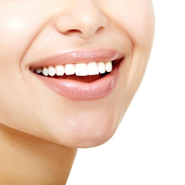 Zähne Bleichen Zu Hause  Hausmittel für weiße Zähne Tipps und Tricks für ein